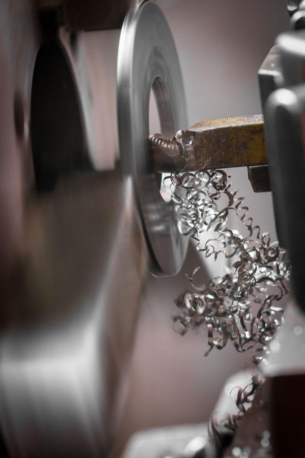 Leverlink manual lathe work. Machining and turning.
